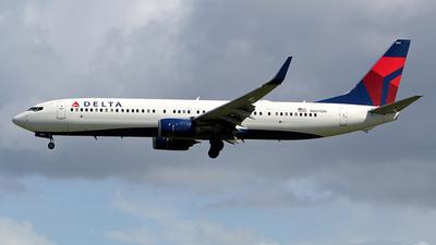 N807DN - Boeing 737-932ER - Delta Air Lines