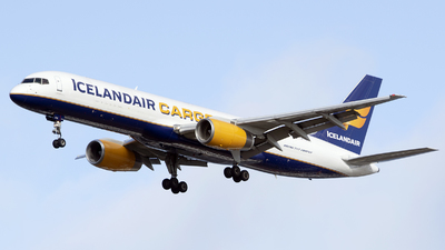 A picture of TFFIH - Boeing 757208(PCF) - Icelandair - © Brenden