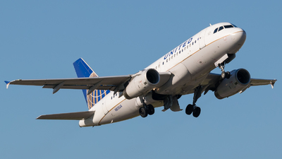 N815UA - Airbus A319-131 - United Airlines