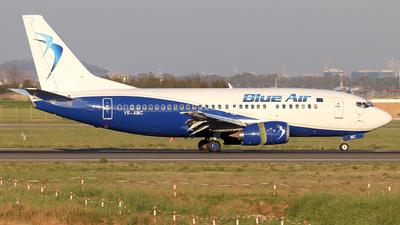 YR-AMC - Boeing 737-530 - Blue Air