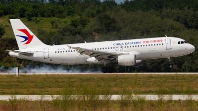 B-2372 - Airbus A320-214 - China Eastern Airlines