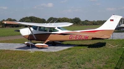 A picture of DEDJW - Cessna 182P Skylane - [18263107] - © Herb Hunter