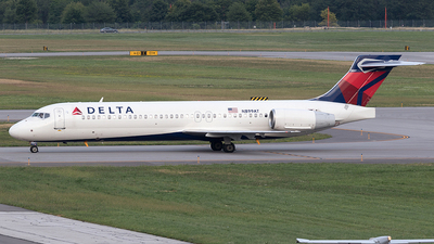 N899AT - Boeing 717-2BD - Delta Air Lines