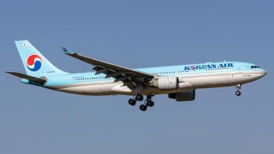 A picture of HL8276 - Airbus A330223 - Korean Air - © S. Waki