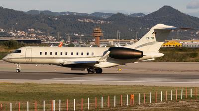 A picture of YRTIK - Bombardier Global 5000 - [9229] - © José M Deza