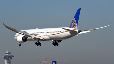 A picture of N12006 - Boeing 78710 Dreamliner - United Airlines - © Rocky Wang