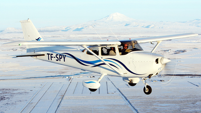 TF-SPY - Cessna 172N Skyhawk II - Private
