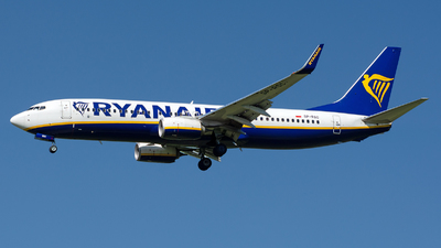 A picture of SPRSC - Boeing 7378AS - Ryanair - © András Soós