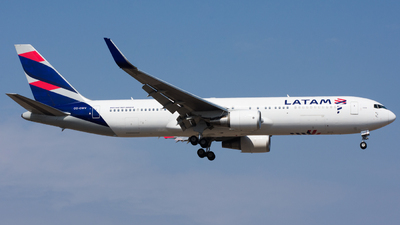 A picture of CCCWV - Boeing 767316(ER) - LATAM Airlines - © Aldo Martinelli