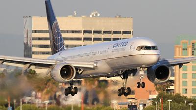 N536UA - Boeing 757-222 - United Airlines