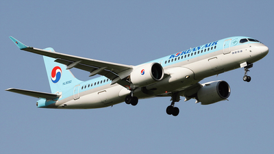 A picture of HL8092 - Airbus A220300 - Korean Air - © REDSOX