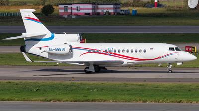 A picture of RA09010 - Dassault Falcon 7X - Gazpromavia - © KomradAlexey