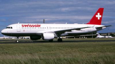 HB-IJQ - Airbus A320-214 - Swissair