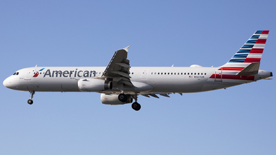 A picture of N567UW - Airbus A321231 - American Airlines - © Wang Jiasheng