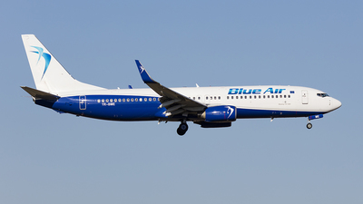 YR-BME - Boeing 737-86N - Blue Air