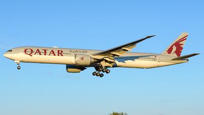 A picture of A7BEF - Boeing 7773DZ(ER) - Qatar Airways - © Laszlo Fekete