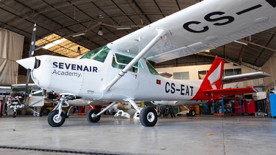 CS-EAT - Cessna 152 - Sevenair