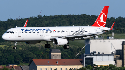 TC-JSR - Airbus A321-231 - Turkish Airlines