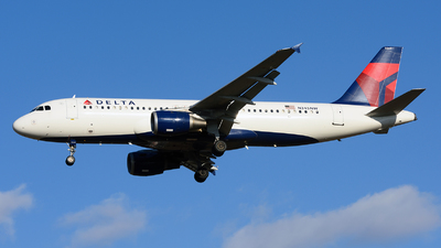 N345NW - Airbus A320-212 - Delta Air Lines