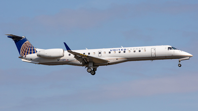 A picture of N11189 - Embraer ERJ145XR - United Airlines - © Edmundo Iturralde