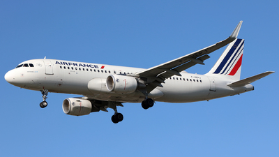 A picture of FHEPJ - Airbus A320214 - Air France - © J.M.Carballo