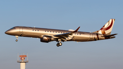 N527AH - Embraer 190 Lineage 1000 - Private