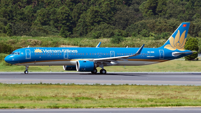 A picture of VNA501 - Airbus A321272N - Vietnam Airlines - © tomobile