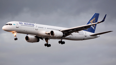 A picture of P4MAS - Boeing 75728A - Air Astana - © Marcin Lawniczak