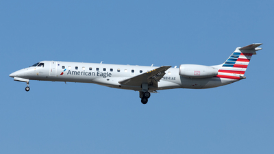A picture of N841AE - Embraer ERJ140LR - American Airlines - © Yixin Chen
