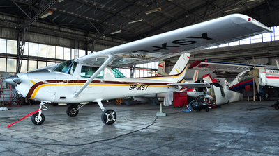 SP-KSY - Cessna 152 II - Private
