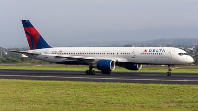 N633DL - Boeing 757-232 - Delta Air Lines