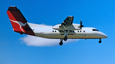 VH-TQV - Bombardier Dash 8-102 - QantasLink (Eastern Australia Airlines)