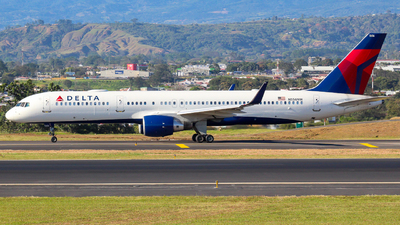N556NW - Boeing 757-251 - Delta Air Lines