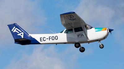 A picture of ECFOO - Cessna 172N Skyhawk II - [17271847] - © Carlos Miguel Seabra