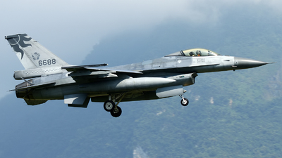 6688 - General Dynamics F-16A Fighting Falcon - Taiwan - Air Force