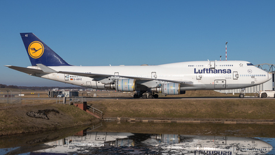 A picture of DABVZ - Boeing 747430 - Lufthansa - © Boscgnspotter