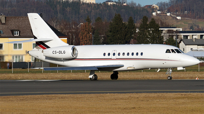 A picture of CSDLG - Dassault Falcon 2000EX - NetJets - © Hugo Schwarzer