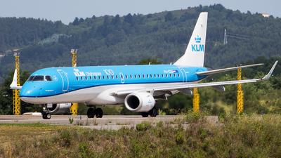 A picture of PHEZU - Embraer E190STD - KLM - © Aitor Martinez Nieves