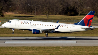 A picture of N205JQ - Embraer E175LR - Delta Air Lines - © mariaLXY