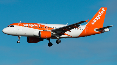 A picture of OELKE - Airbus A319111 - easyJet - © GoldenWingPix