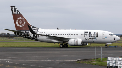A picture of DQFJF - Boeing 7377X2 - [28878] - © Charles Cunliffe