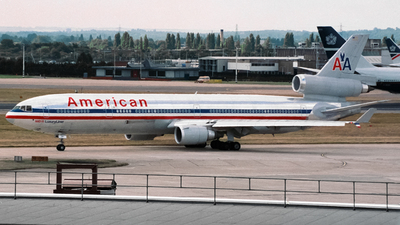 N1762B - McDonnell Douglas MD-11 - American Airlines