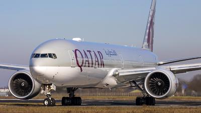 A picture of A7BEE - Boeing 7773DZ(ER) - Qatar Airways - © Bjorn van der Velpen