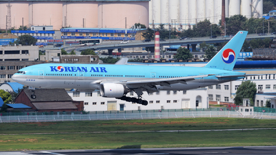 HL7714 - Boeing 777-2B5(ER) - Korean Air