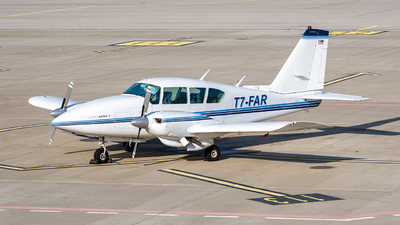 T7-FAR - Piper PA-23-250 Aztec F - Private