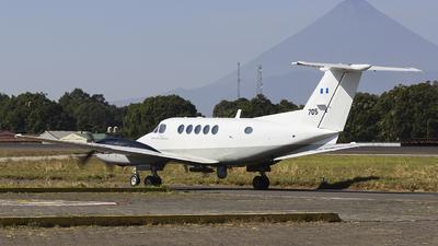 705 - Beechcraft B300 King Air - Guatemala - Air Force