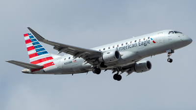 A picture of N266NN - Embraer E175LR - American Airlines - © Lorenzo P