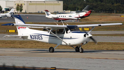 N393ES - Cessna 172R Skyhawk - Private