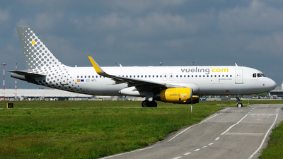 EC-MFL - Airbus A320-232 - Vueling Airlines