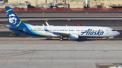 A picture of N409AS - Boeing 737990(ER) - Alaska Airlines - © Sam Thomas